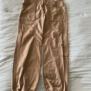 Women's lightweight cargo pants